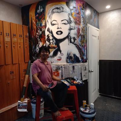 vẽ chân dung marilyn trên tường